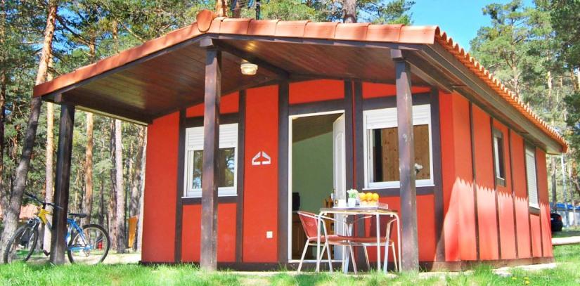 bungalow-camping-urbion-soria-vistas-embalse.jpg